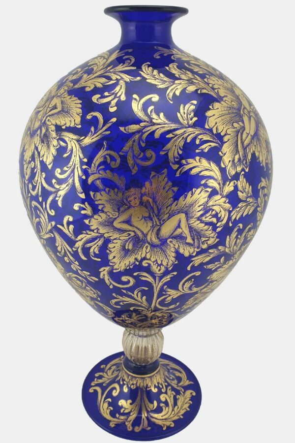 ue veronese vase with gold graffito nymphs (1)