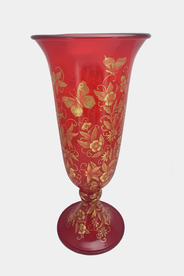 Red vase with butterflies in gold graffito (4)